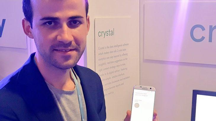 Crystal, asistenti i inteligjencës artificiale i cili krijon dhe menaxhon fushatat tuaja të reklamimit në median sociale