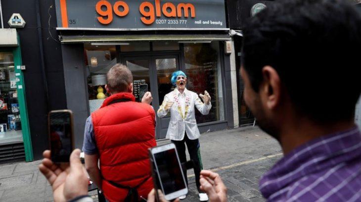 Artistët e rrugës në Londër, të parët në botë që do të paguhen me karta krediti
