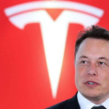 Tesla në vështirësi, shkurton 9% të fuqisë punëtore