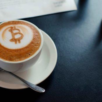 Braziliani krijon makinën e parë të kafesë me Bitcoin