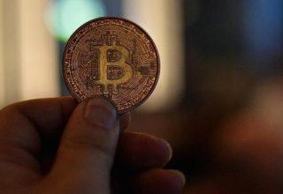 Bitcoin ra me 10% ndërsa komentet negative ndaj kriptomonedhave janë shtuar