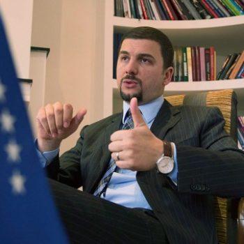 Deputeti i Kosovës deklaron investimet e tij në kriptomonedha