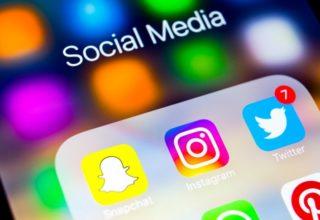 Instagram teston pyetjet në histori