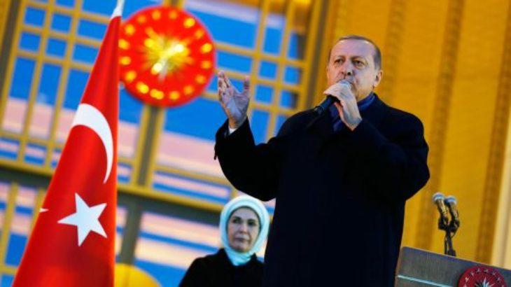 Turqia bojkoton produktet elektronike Amerikane, edhe Apple iPhone