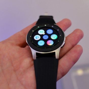 Me orën inteligjente Galaxy Watch Samsung braktis markën Gear
