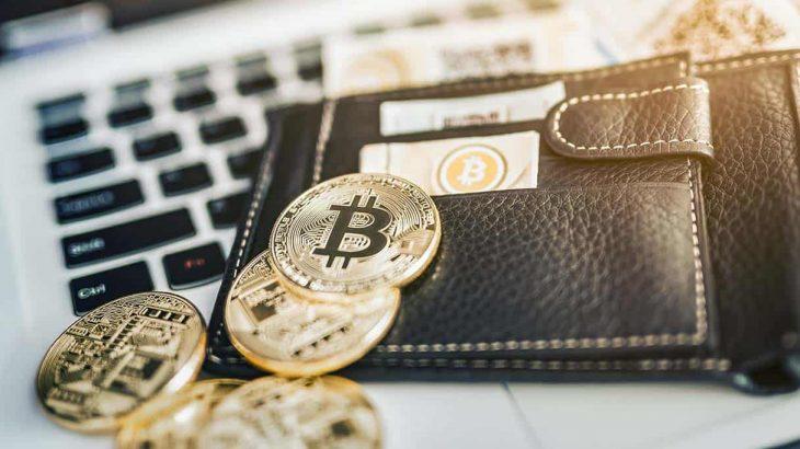 Një kompani tjetër e madhe po përgatitet të blejë Bitcoin