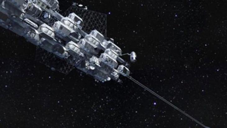 Japoni, gati prova e parë e ashensorit të hapësirës