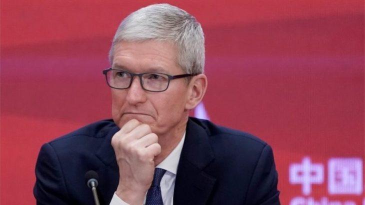Tim Cook kërkon tërheqjen e raportit të Bloomberg për përgjimin nga Kinezët