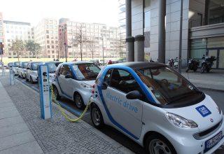 Industria e baterive për makinat elektrike do të rritet me shpejtësi në 8 vitet e ardhshme