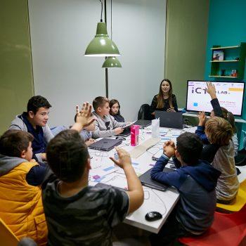 Inagurohet në Tiranë qendra laboratorike e inovacionit ICTSlab, sjell kurrikulat e kodimit dhe robotikës më të avancuara ndërkombëtare