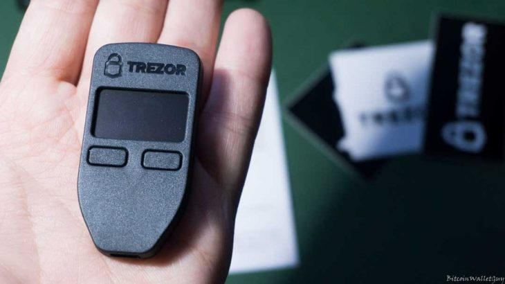 Një prodhues i panjohur ka krijuar një kopje fallco të portofolit Trezor One