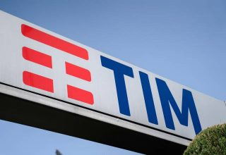 Telecom Italia emëron CEO-n e ri, rriten aksionet