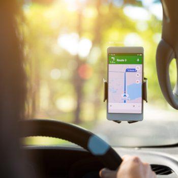 """Google Maps teston dy funksione të cilat mund tu """"shpëtojnë"""" kokën"""