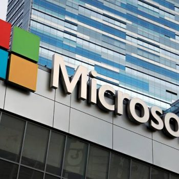 Microsoft kalon Apple për nga vlera e tregut