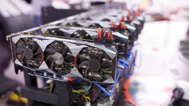 Rënia e vlerës së Bitcoin, mbyllen në masë minierat e monedhës kriptografike më popullore në botë