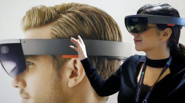 Rebelohen punonjësit ndaj Microsoft për HoloLens
