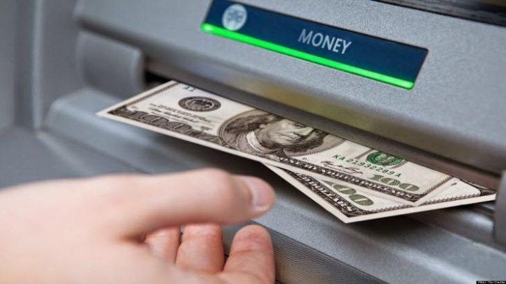 Programuesi vjedh nga banka ku punonte plot 1 milion dollarë përmes ATM