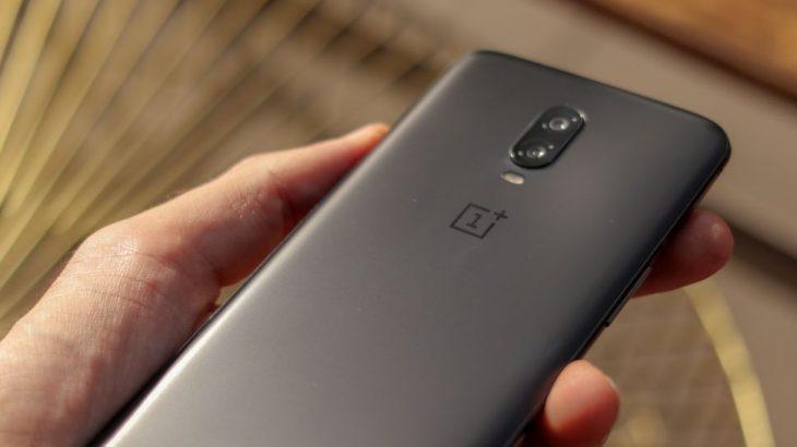 OnePlus zbulon se kur do të shesë telefonin e parë 5G