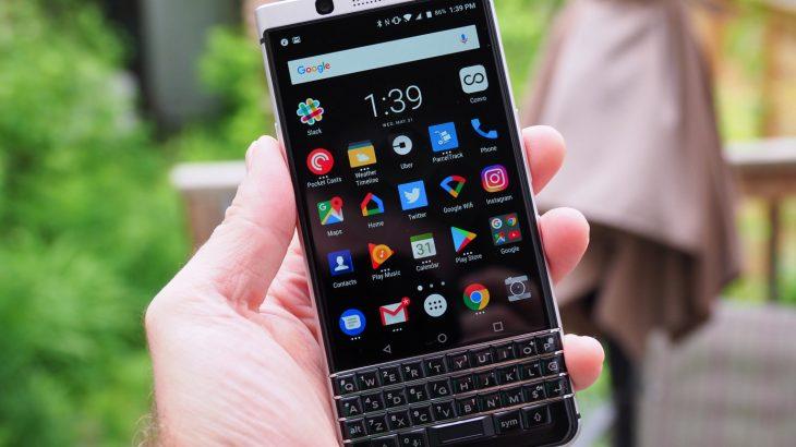 BlackBerry akuzon Twitter për vjedhjen e teknologjisë