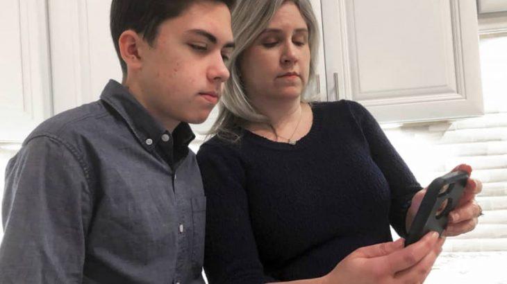 Kush është 14 vjeçari që zbuloi problemin e FaceTime