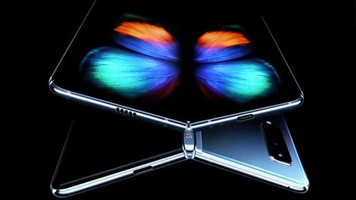 """Shefi i Samsung i quan problemet e Galaxy Fold të """"turpshme"""""""