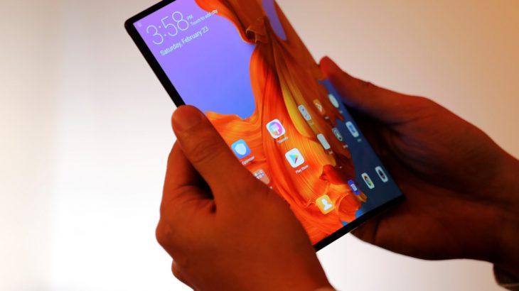 Huawei kishte një koncept të ngjashëm të Mate X me Galaxy Fold por e anuloi se dukej i shëmtuar