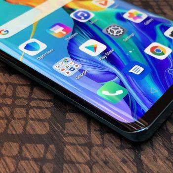 Huawei i përgjigjet bllokimit të Android