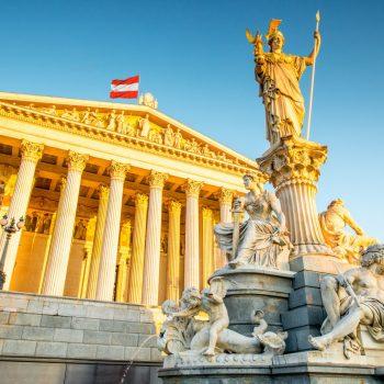Austria miraton ligjin që vret anonimitetin online
