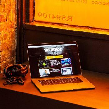 Apple sjell MacBook Pro 16-inç në Shtator