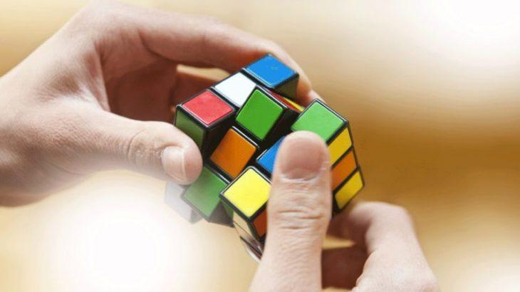Inteligjenca artificiale zgjidh kubin Rubik në 1 sekondë