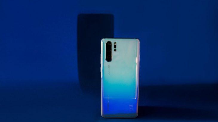 Huawei injoron sanksionet Amerikane, do të prezantojë një telefon flagship