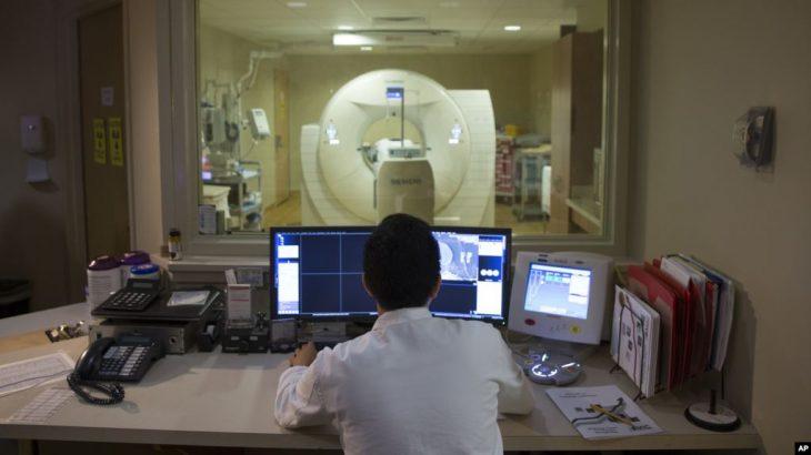 Teknologjia e lidhur me trurin ndihmon njerëzit të rifitojnë aftësitë e humbura