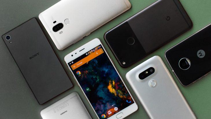 Smartfonët më të mirë që mund të blini nën 300 dollarë