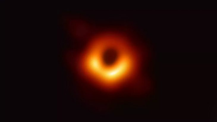 Shkencëtarët të cilët realizuan imazhin e parë të një vrime të zezë shpërblehen me çmim marramendës