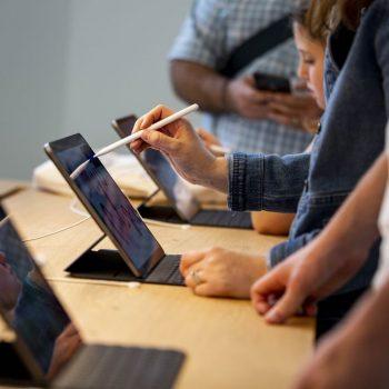 Pas Photoshop vjen edhe versioni i plotë i Illustrator në iPad