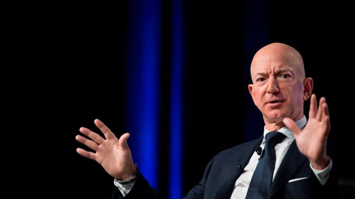 Njeriu më i pasur në botë humbi 7 miliardë dollarë në pak orë