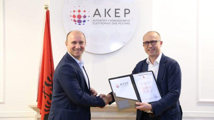 AKEP i dorëzon Telekom Albania frekuencat 800Mhz