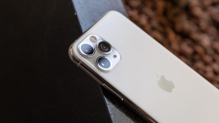 Shitjet e smartfonëve pësojnë rritje për herë të parë në 2 vite