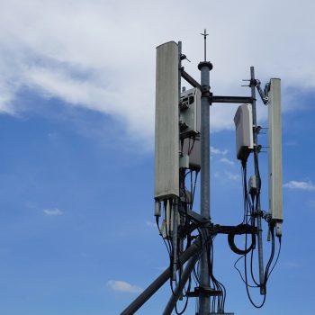 AKEP publikon matjet e rrezatimit të valëve celularë në Shqipëri