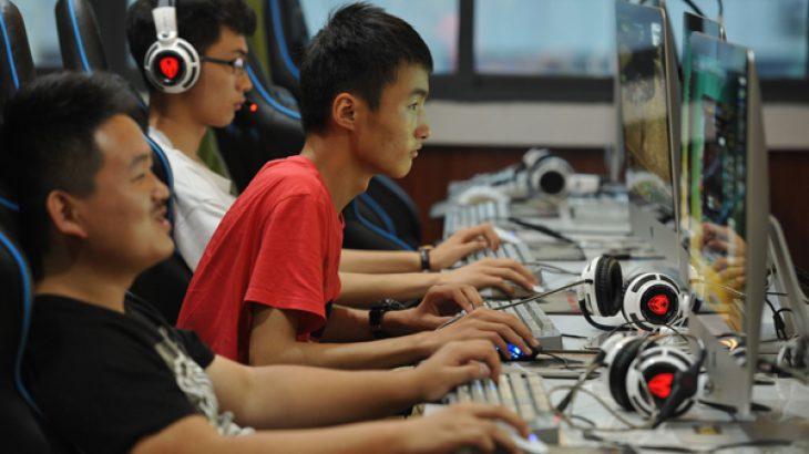 Pas orës 10 të mbrëmjes nuk ka lojëra për 18 vjeçarët në Kinë
