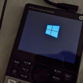 Një haker arriti të instalojë Windows 10 në një makinë llogaritëse
