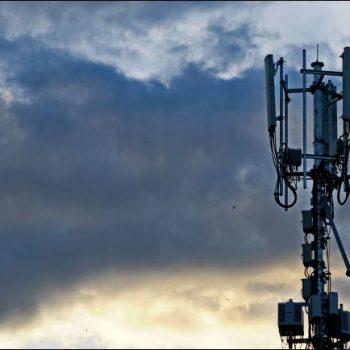Sa të shqetësuar duhet të jeni për rreziqet shëndetësore të teknologjisë 5G?
