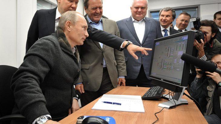 Putini e konsideron internetin kërcënim të madh po për vete përdor Windows XP