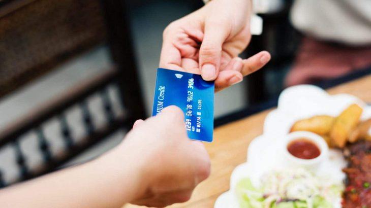 Gjatë 2019-ës u rritën ndjeshëm pagesat në internet me karta bankare