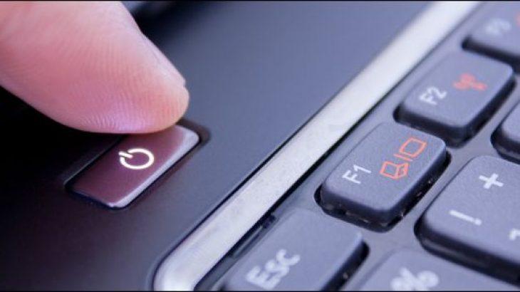 A e dëmton kompjuterin ndërprerja e papritur e energjisë elektrike?