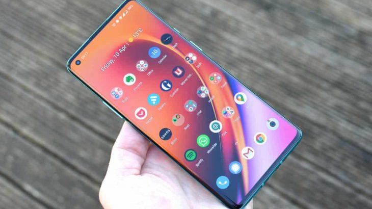 OnePlus 8 Pro: Telefoni që Samsung i trembej më së shumti