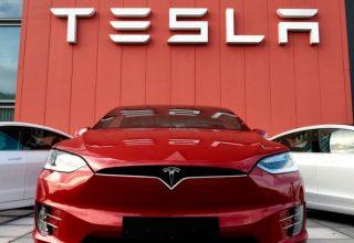 Toyota parakalohet nga gjiganti i elektrifikimit si prodhuesi më me vlerë në botë i makinave