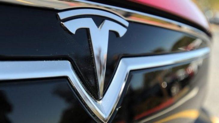 Tesla zbulon makinën që përshkon 0-100 km/h nën 2 sekonda