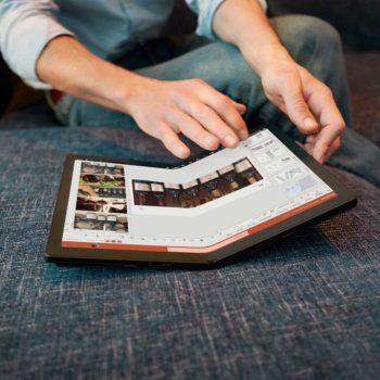 Lenovo prezanton laptopin me ekran që paloset