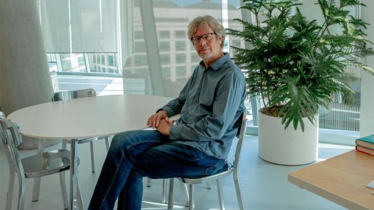 Krijuesi i Python fillon punë në Microsoft